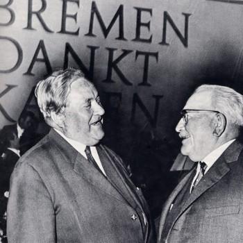 Mit Carlo Schmidt bei einer Festveranstaltung der SPD für Kaisen 1965