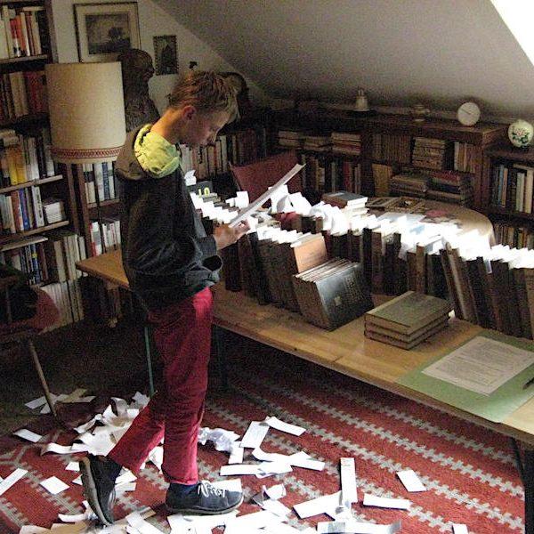 Lennart bei der Sortierung
